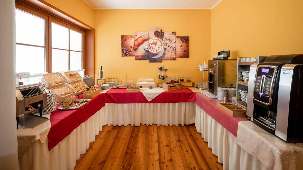 Hotel-Elena-Saint-Vincent-2020-petit-déjeuner-I4A6745