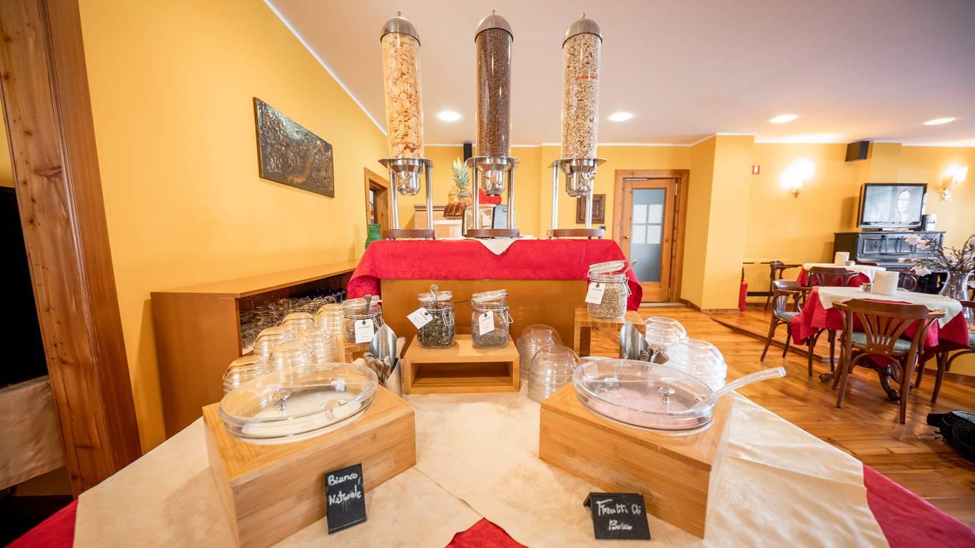 Hotel-Elena-Saint-Vincent-2020-petit-déjeuner-I4A6720