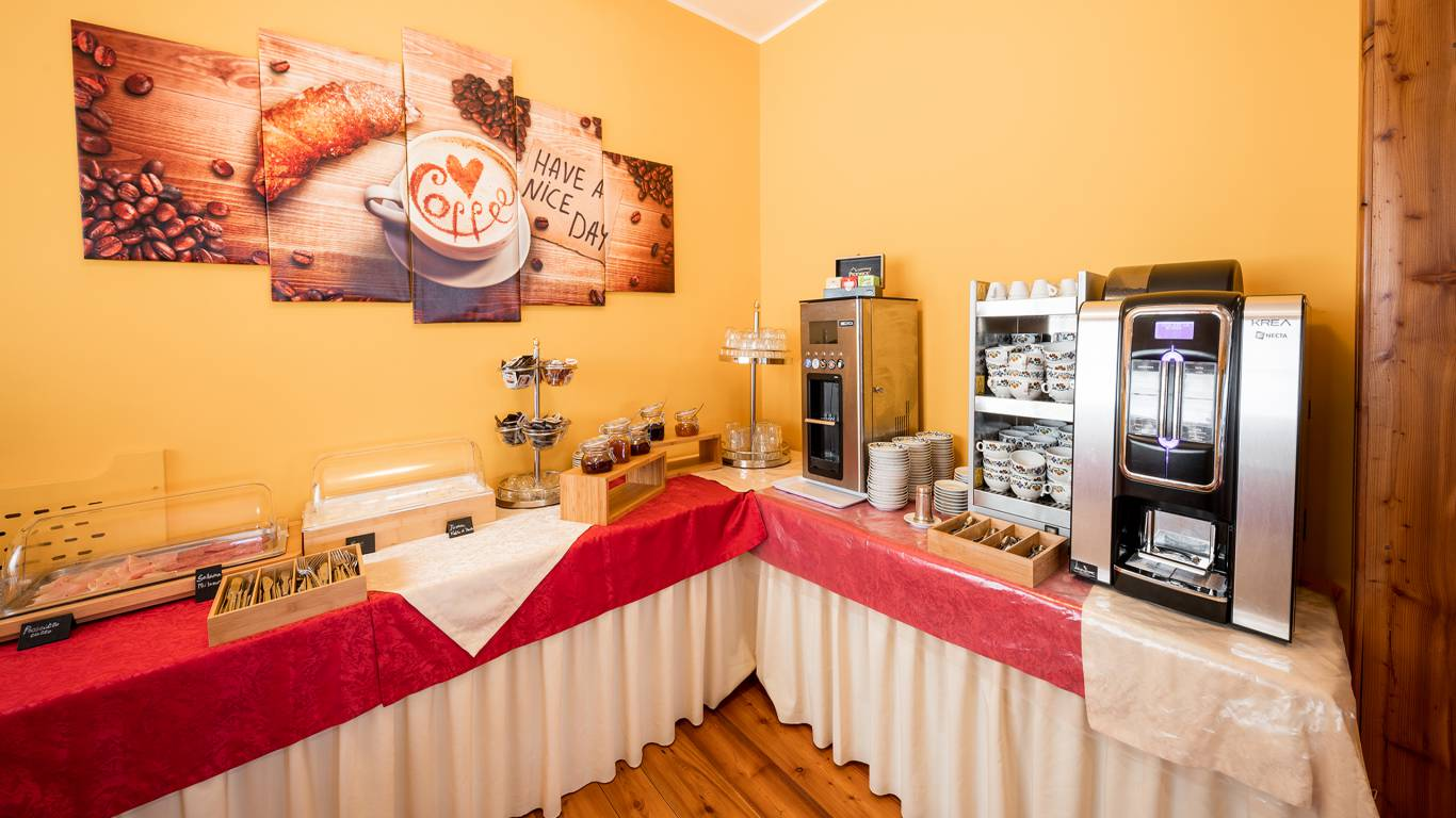 Hotel-Elena-Saint-Vincent-2020-petit-déjeuner-I4A6748