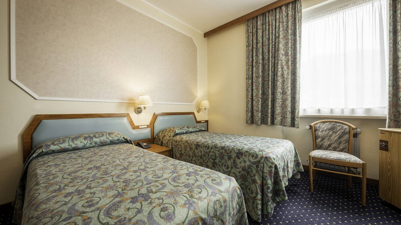 Hotel-Elena-Saint-Vincent-double-standard-I4A3581
