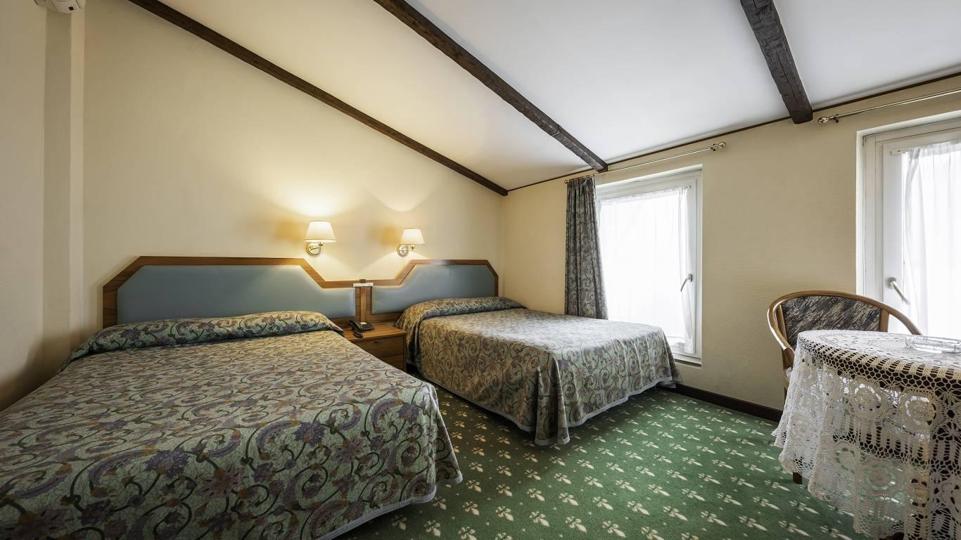 Hotel-Elena-Saint-Vincent-double-superior-I4A3601