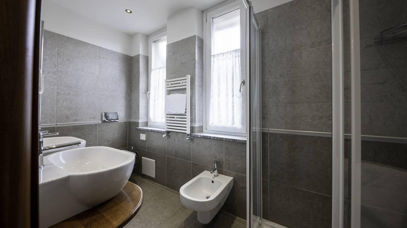 Hotel-Elena-Saint-Vincent-2020-triple-room-I4A3508