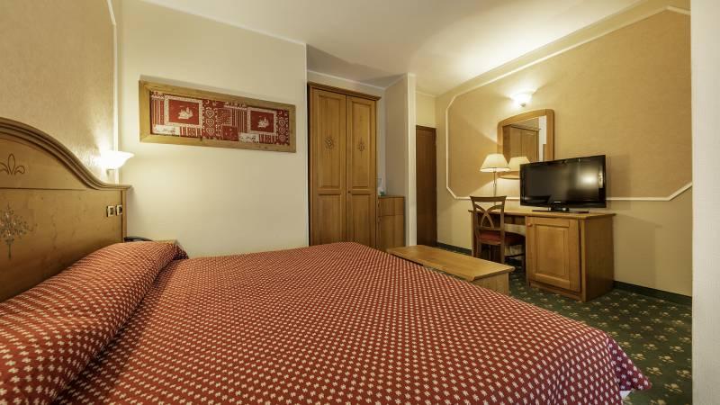 Hotel-Elena-Saint-Vincent-2020-double-superior-I4A3446