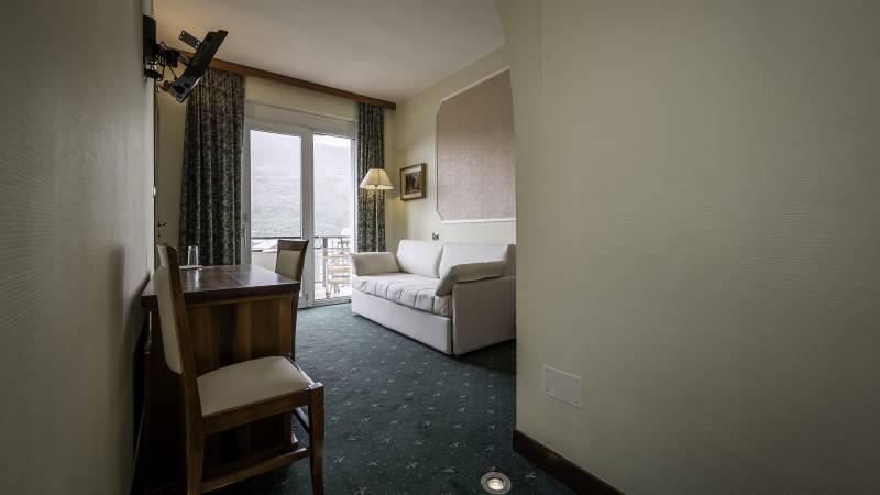 Hotel-Elena-Saint-Vincent-2020-chambre-triple-I4A3502
